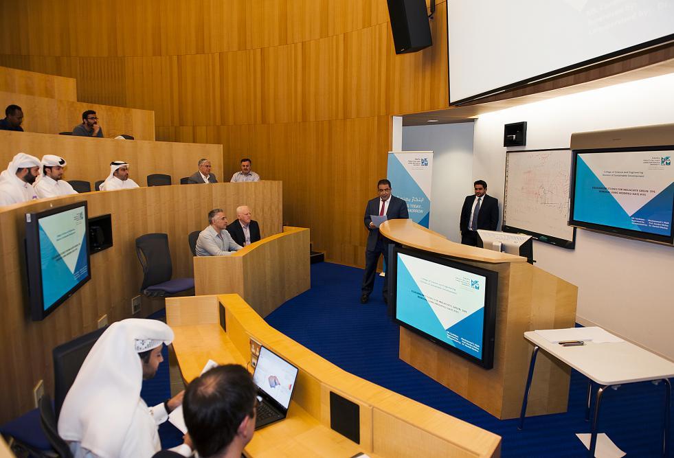 جامعة حمد بن خليفة تحتفل بتخريج أول دفعة في برامج الماجستير بكلية العلوم والهندسة
