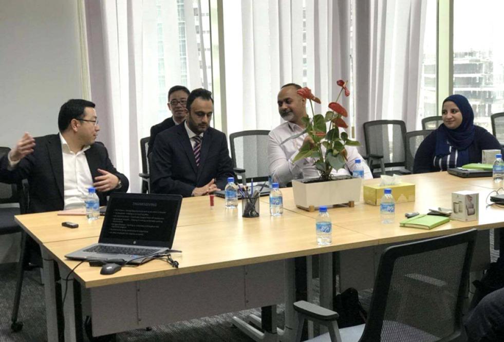 طلاب جامعة حمد بن خليفة يثرون مهاراتهم وخبراتهم ببرنامج التدريب الداخلي لدى شركة (هواوي)